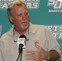 Pete Dunn retires as Stetson vaseball coach / Headline Surfer