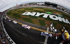 Jimmie Johnson takes checkered flag in 2013 Daytona 500 / Headline Surfer