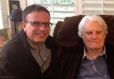 Boz Tchividjian with his famous grandfather, evangelist Billy Graham / Headline Surfer®