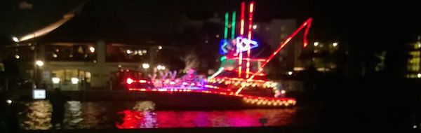 2015 Daytona Beach Boat Parade / Headline Surfer®