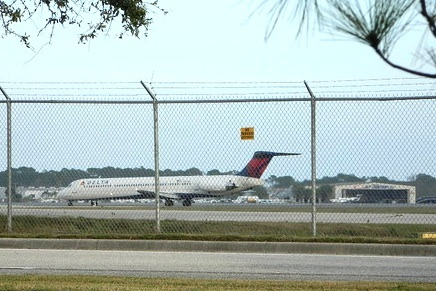 Delta offered less seats in October at Daytona Int'l Airport / Headline Surfer®