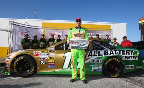 Kyle Busch wins pole for Coke Zero 400 at Daytona International Speedway / Headline Surfer