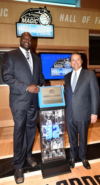 Shaq is shown with Orlando Magic CEO Alex Martins during Hall of Fame  / Headline Surfer®