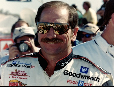 Dale Earnhardt is all smiles after winning the 1998 Dayton 500 / Headline Surfer®