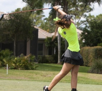 Jennifer Hide with the Bethune-Cookman women golfers / Headline Surfer