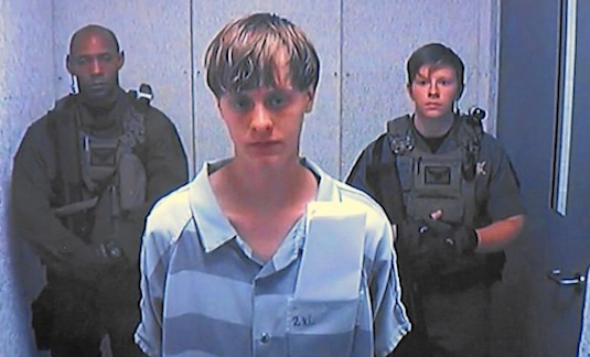 Dylann Roof arraigned in a Charleston, SC copurtroom / Headline Surfer®