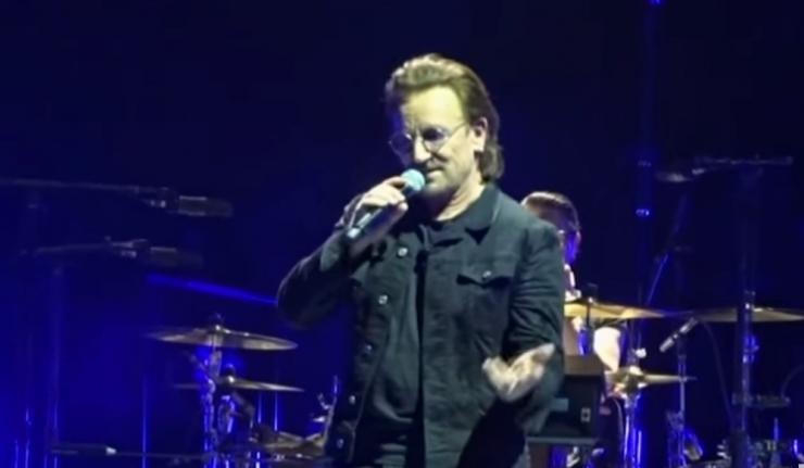 Bono loses voice at concert in Berlin   Headline Surfer / Award