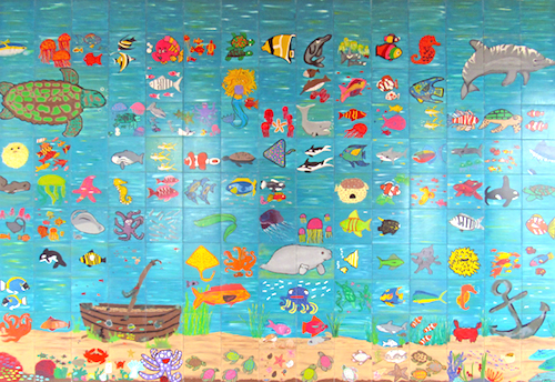 Children add new artwork tile to Votran buws stop location in Daytona / Headline Surfer®